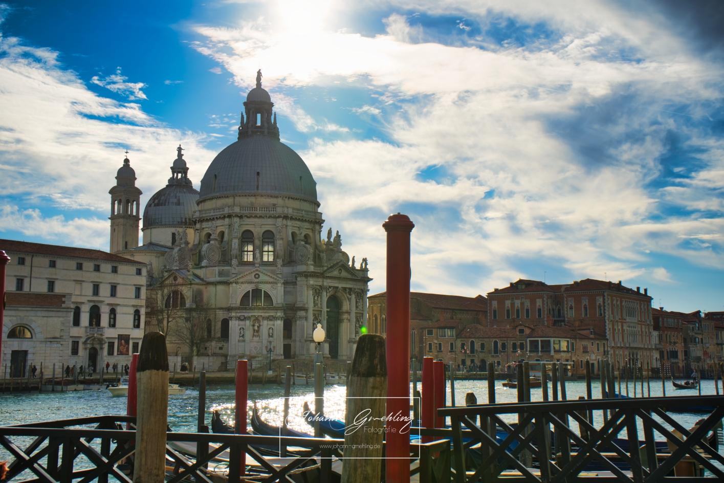 Kirche in Venedig am Wasser